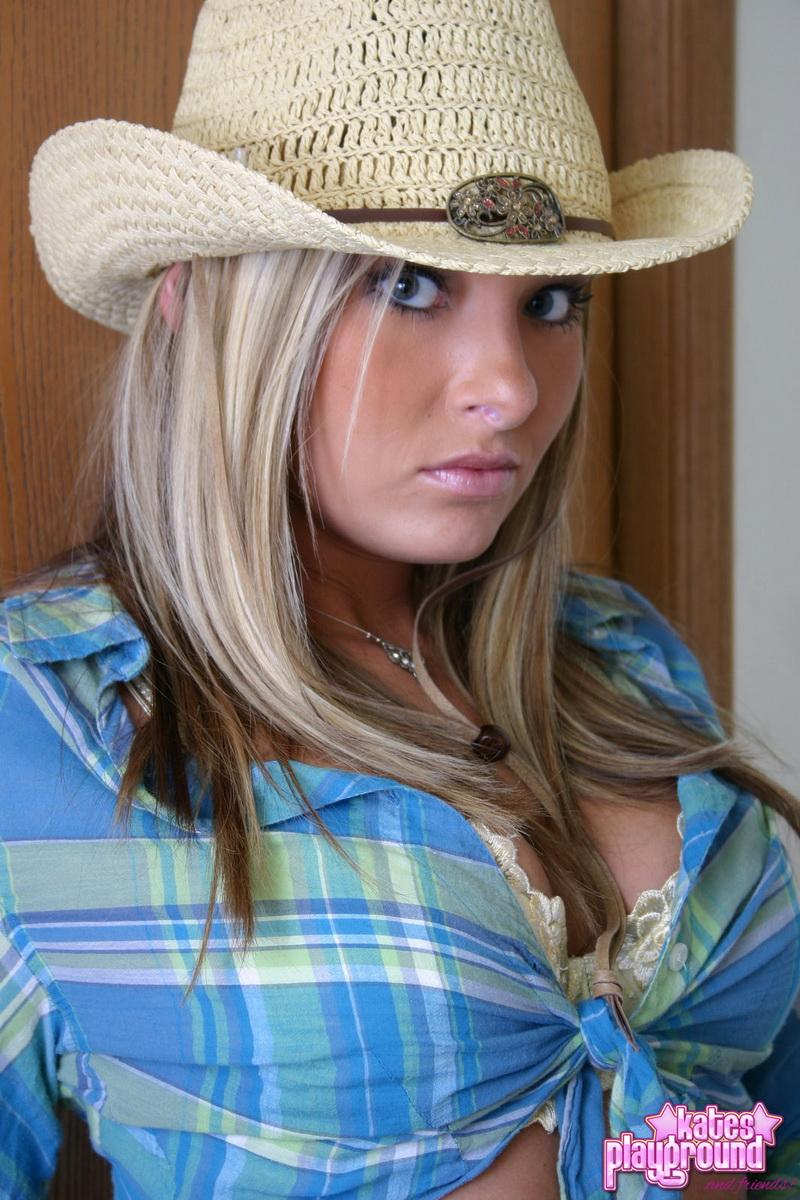 katesplayground-stina-countrygirl-06