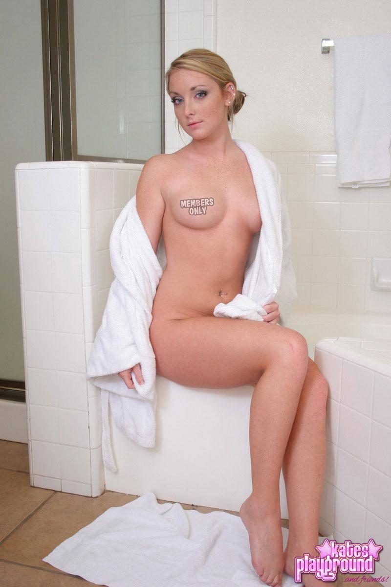 katesplayground-abbie-bath_time-005