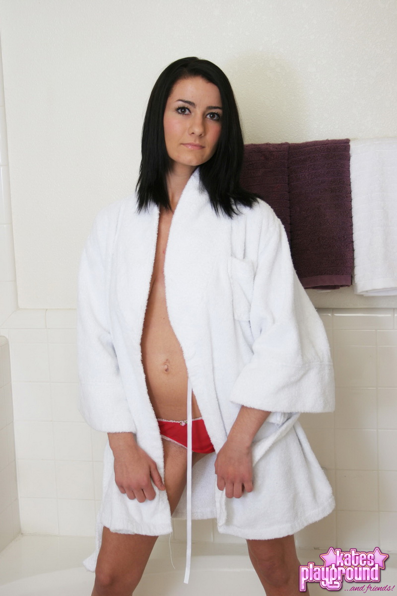 katesplayground-stacy-my_bath_robe-001